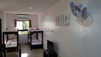 SPACIOUS PRIVATE APARTMENT AT LAORENZA RESIDENCES Room