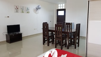 SPACIOUS PRIVATE APARTMENT AT LAORENZA RESIDENCES Living Area