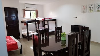 SPACIOUS PRIVATE APARTMENT AT LAORENZA RESIDENCES In-Room Dining