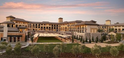 . Vista Collina Resort