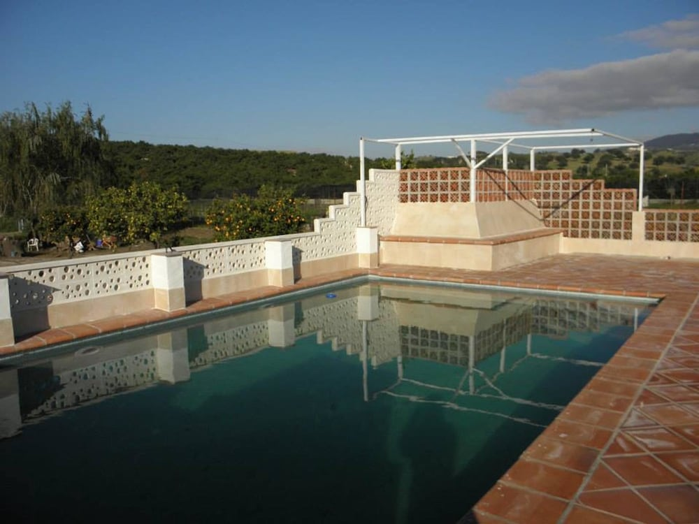 Apartment With one Bedroom in Vélez-málaga, With Wonderful Mountain View, Pool Access, Furnished Gar