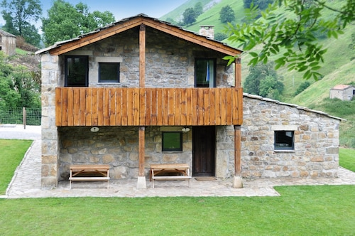 House With 6 Bedrooms in San Roque de Riomiera, With Wonderful Mountai, Cantabria