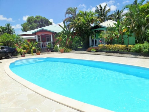 House With 2 Bedrooms in Petit-canal, With Pool Access, Furnished Terr, Petit-Canal