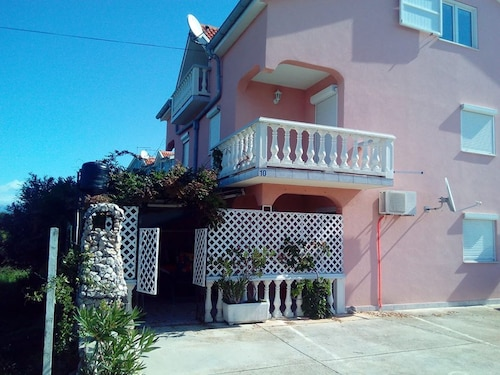 Apartment With one Bedroom in Zaton, With Furnished Garden and Wifi -, Nin