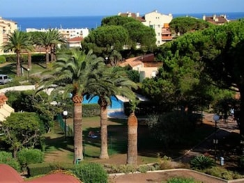 Apartment With one Bedroom in Antibes, With Wonderful sea View, Pool A