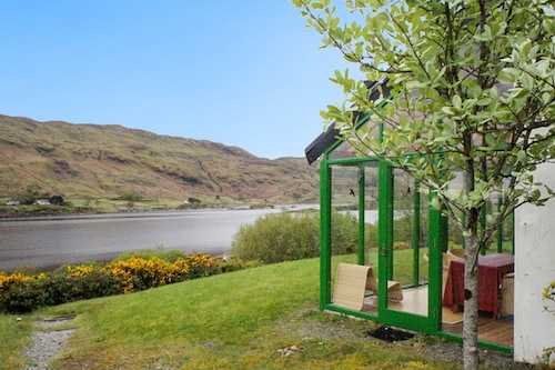 House With one Bedroom in Tourmakeady/derrypark, With Wonderful Lake V