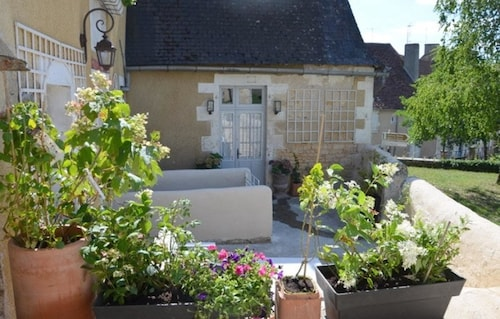 House With 3 Bedrooms in Le Blanc, With Enclosed Garden and Wifi, Indre