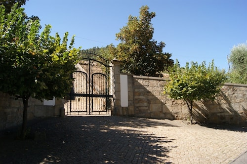 Villa With 3 Bedrooms in Torre de Moncorvo, With Wonderful Mountain Vi, Torre de Moncorvo