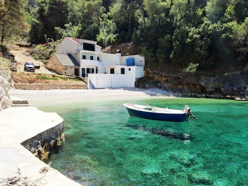 House With 3 Bedrooms in Brusje, With Wonderful sea View, Enclosed Gar, Hvar