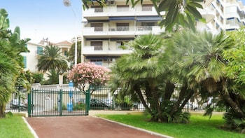 Apartment With one Bedroom in Cannes, With Wonderful City View, Furnis