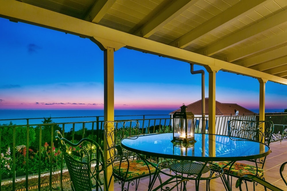 Apartment With 3 Bedrooms in Tzamarelata, Kefalonia, With Wonderful sea View, Enclosed Garden and Wi