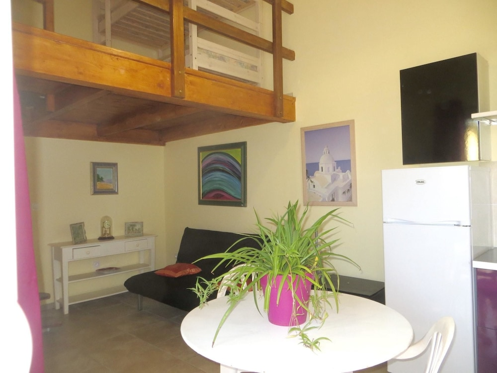Apartment With one Bedroom in Cervione, With Enclosed Garden and Wifi - 3 km From the Beach