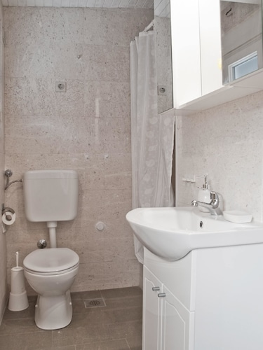 Apartment With 3 Bedrooms in Žedno, With Wonderful sea View, Enclosed, Trogir