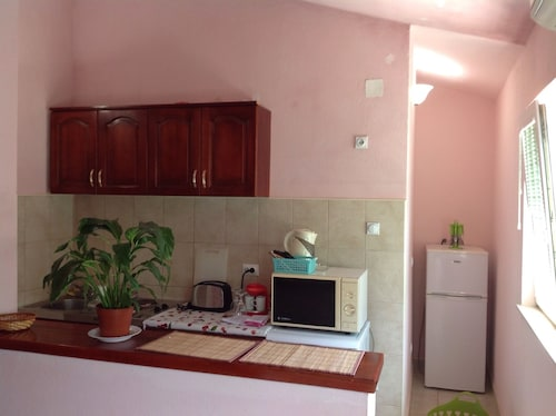 Apartment With 2 Bedrooms in Tivat, With Wonderful Mountain View, Furn,