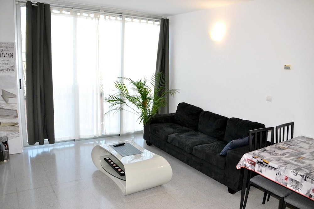 Apartment With one Bedroom in València, With Wonderful City View and Wifi - 15 km From the Beach