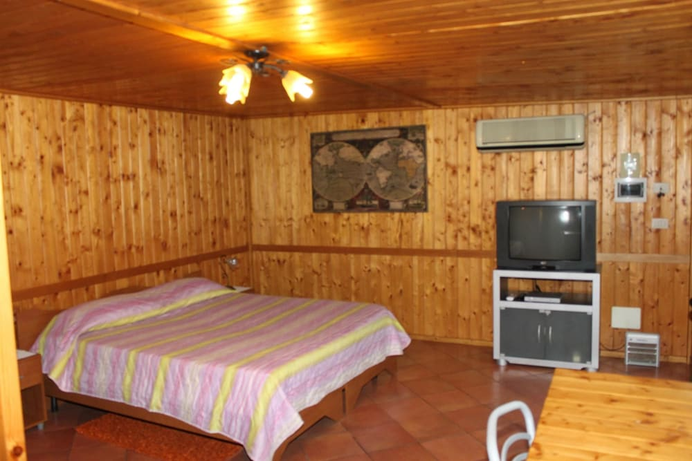 Chalet With 3 Bedrooms in Santa Venerina, With Wonderful sea View, Enclosed Garden and Wifi - 17 km