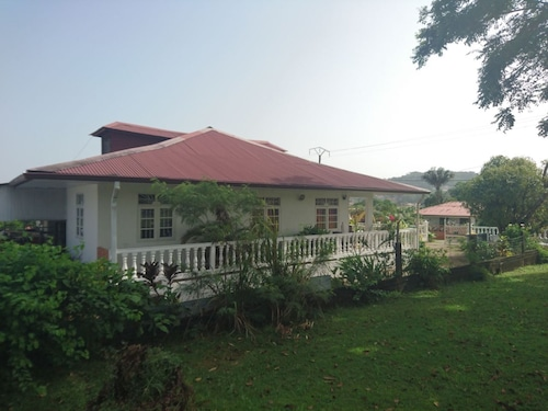 House With 3 Bedrooms in Cayenne, With Enclosed Garden and Wifi - 4 km, Rémire-Montjoly