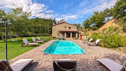 Villa With 5 Bedrooms in Arezzo, With Wonderful Mountain View, Private