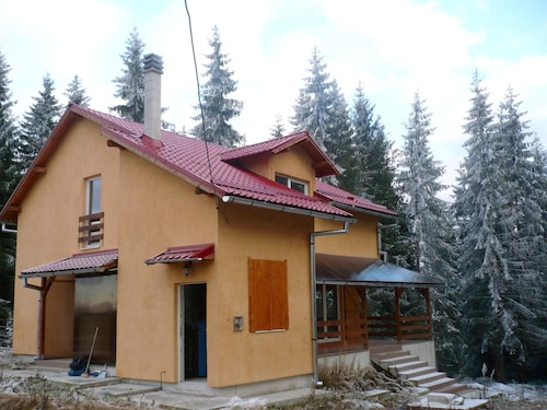 . House With 4 Bedrooms in Marisel, With Furnished Terrace