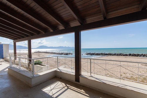 Apartment With 4 Bedrooms in Piano di Trappeto, With Wonderful sea Vie, Palermo