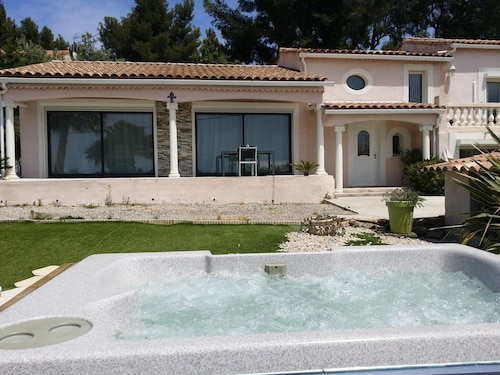 House With 2 Bedrooms in La Cadière-d'azur, With Wonderful sea View, E, Var