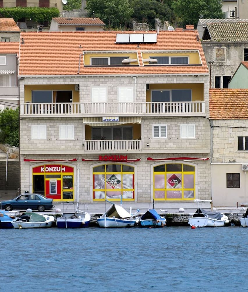 Apartment With 2 Bedrooms in Vela Luka, With Wonderful Mountain View, Furnished Terrace and Wifi - 8