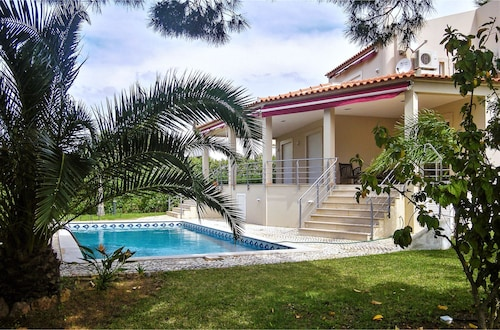 Villa With 4 Bedrooms in Quarteira, With Private Pool and Enclosed Gar, Loulé