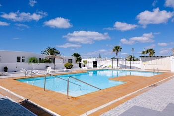 Sea-view Apartment in Lanzarote, Canary Islands, w/ Pool and Wifi 300m
