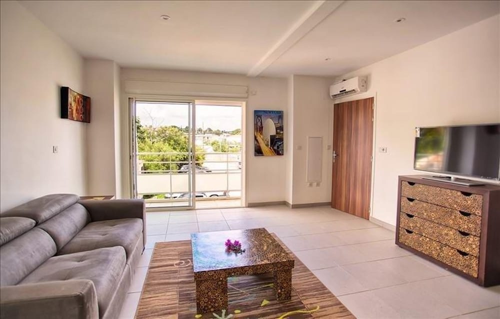 Studio in Saint-françois, With Wonderful City View, Balcony and Wifi - 400 km From the Beach