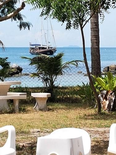 5 Islands Beach House Beautiful, 3-bedroom Beachfront Villa on Koh Sam, Ko Samui