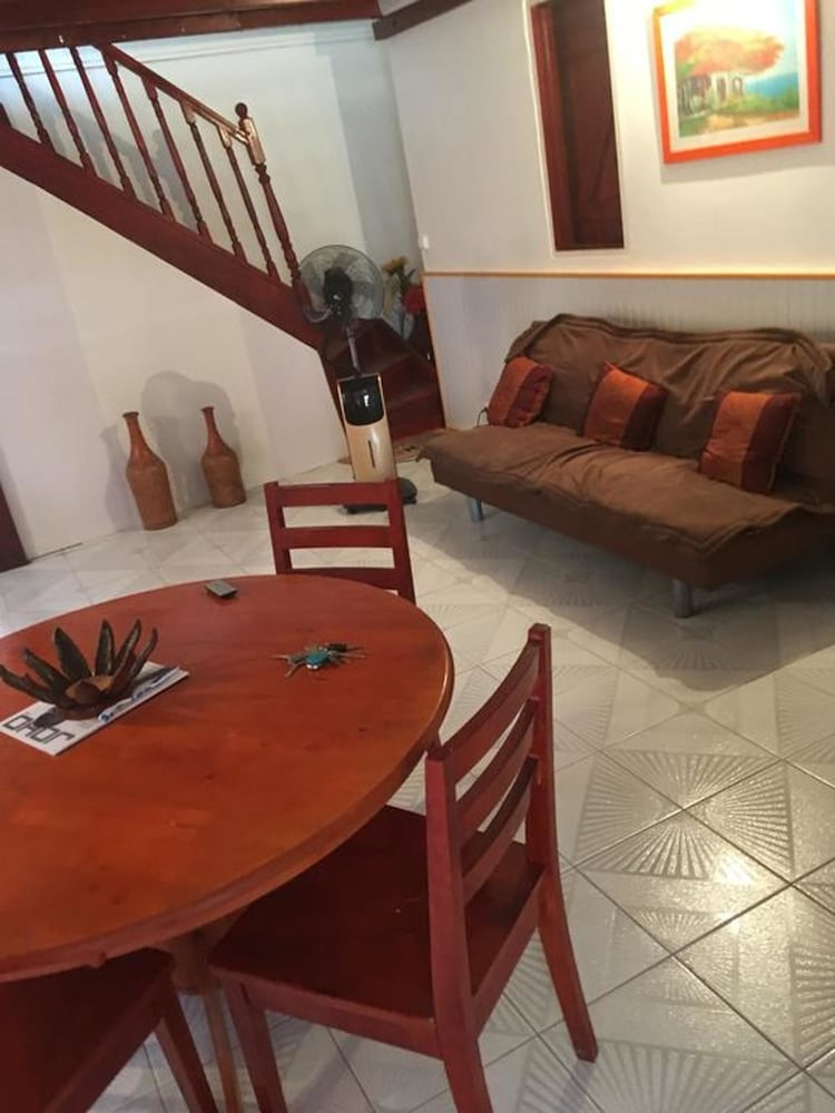 House With 3 Bedrooms in Pointe Noire, With Furnished Terrace and Wifi - 2 km From the Beach