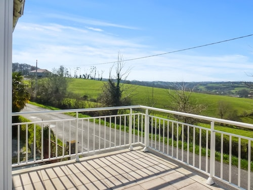 House With one Bedroom in Salies-de-béarn, With Wonderful Mountain Vie, Pyrénées-Atlantiques