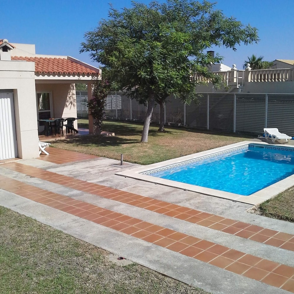 Villa With 3 Bedrooms in Calafat, With Private Pool, Enclosed Garden and Wifi - 300 m From the Beach