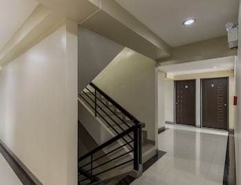 ZEN ROOMS BASIC CASA BEL BAGUIO Staircase