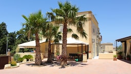 Studio in Marsala, With Wonderful sea View, Furnished Balcony and Wifi