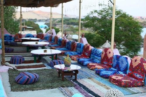 AnaKato2, Aswan