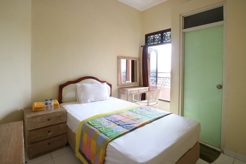 Dharma Gita Guest House
