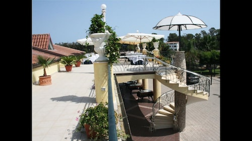 __{offers.Best_flights}__ Hotel Miramare