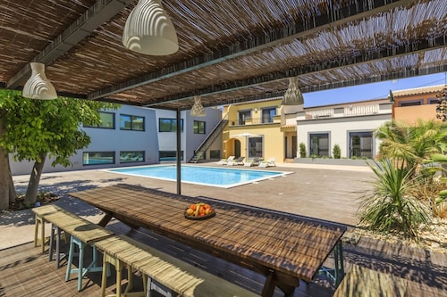 Villa With 2 Bedrooms in Quelfes, With Wonderful sea View, Pool Access, Olhão