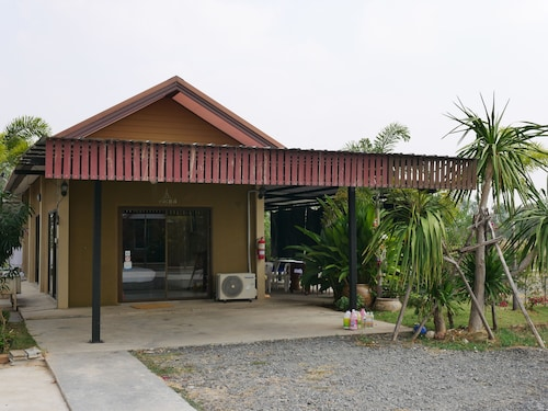 Nuanrudee Resort, Muang Buri Ram