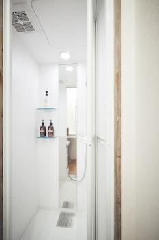 36HOSTEL Bathroom Shower