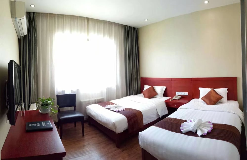スーパー 8 ホテル敦煌フェン チン チェン (速 8 酒店敦煌风情城店)