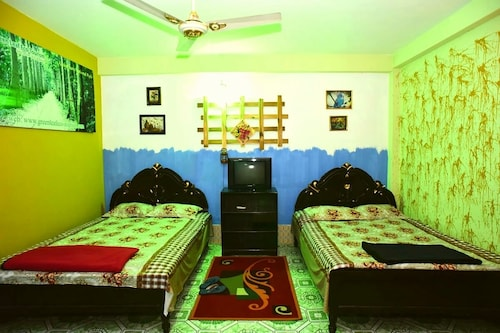 Green Leaf Guest House, Moulvibazar