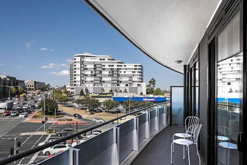 Roomerang at Panorama Apartments 3, Manningham - West