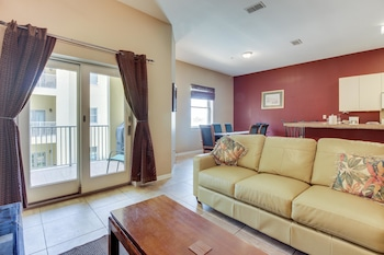 Las Verandas #202 Apartment 2