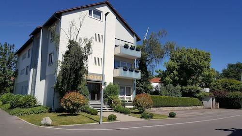 . Hotel Garni Metzingen
