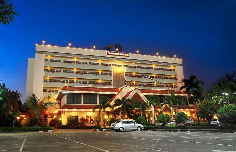 魅遠宮殿飯店