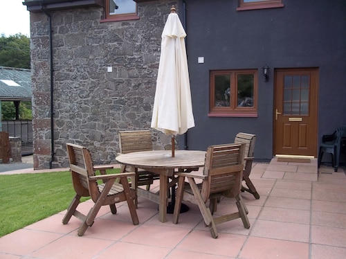 Keepers Lodge with Hot Tub, Perthshire and Kinross
