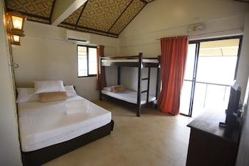 NALU SURF CAMP Room