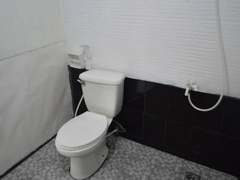 LA CASA BLANCA - MAIN Bathroom